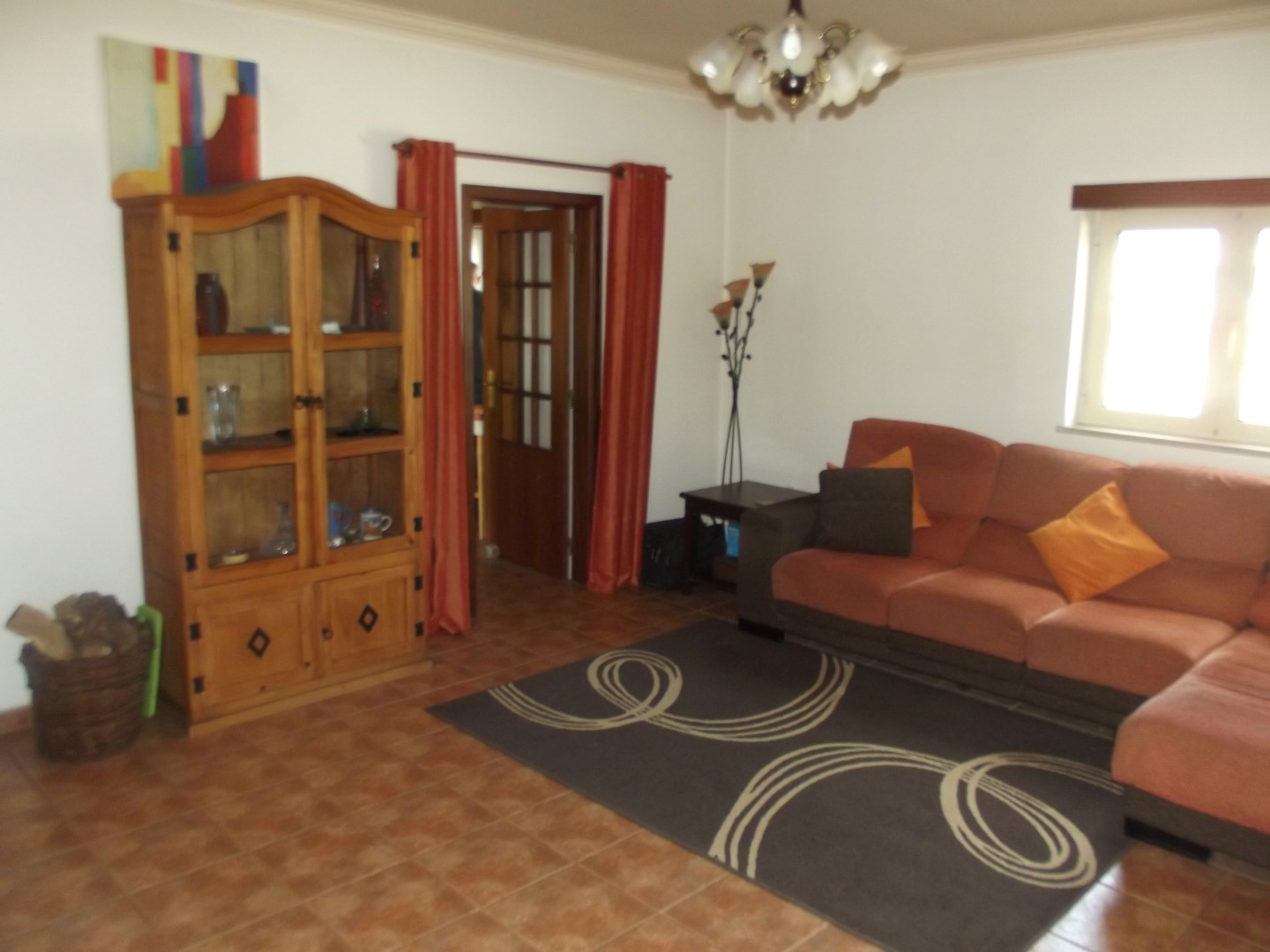 Tastefully finished 2-bedroom bungalow close to Santiago da Guarda