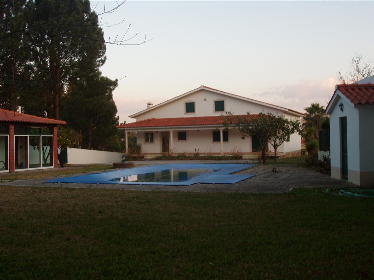 Vivenda T5 com piscina e terreno MARINHA GRANDE