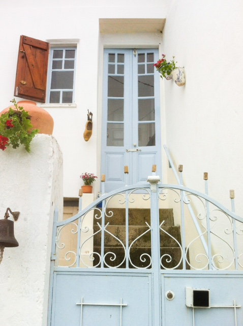 LOVELY QUIRKY 2 BEDROOM DETACHED HOUSE FOR SALE NEAR LOUSA